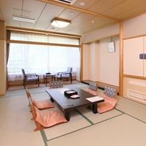 【和室12畳】一例/ゆったりとお過ごし頂ける和室12畳は、畳敷きと広縁がございます。