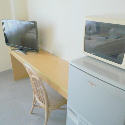 全室に32型大型液晶テレビを設置