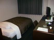新シングルルーム・ベッド