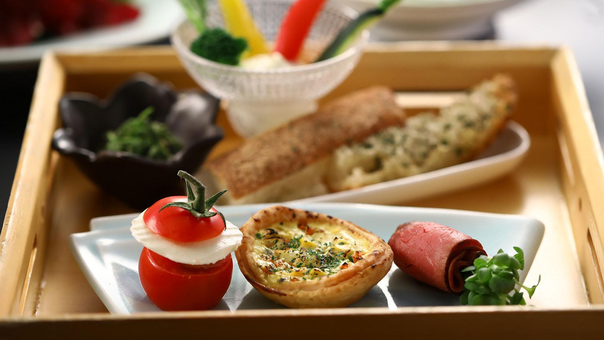 【夕食一例】和風御膳の一品。旬の味覚をどうぞ。