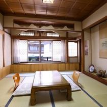 ■【和室8畳】温泉通りを望めるお部屋。