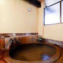 ■【内湯】女性内湯。天然かけ流し温泉
