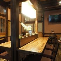 ■【CAFE&RESTAURANT DHARMA】夜はお酒を飲みながら
