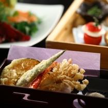 ■【夕食一例】和風御膳の天ぷら。旬の天ぷらをお楽しみください