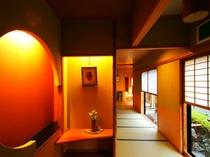 和室12.5畳のお部屋前