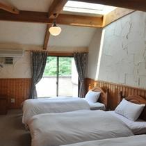 別館メゾネット(1階ベッドルーム)