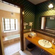 【別館ツイン】洗面所とバスルーム