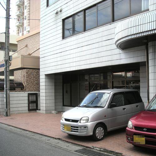 駐車場【ホテル裏口】