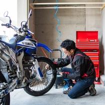 【バイクガレージ】