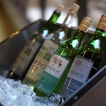 【ワインの試飲サービス】南陽市内4つのワイナリーのワインを無料試飲※日替わりで4本、16時から18時