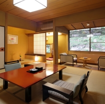 【西館和室一例】純和風客室、内バス・トイレ付