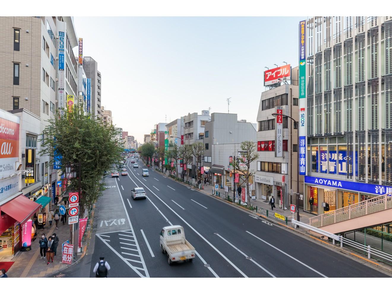 荻窪駅北口(青梅街道)