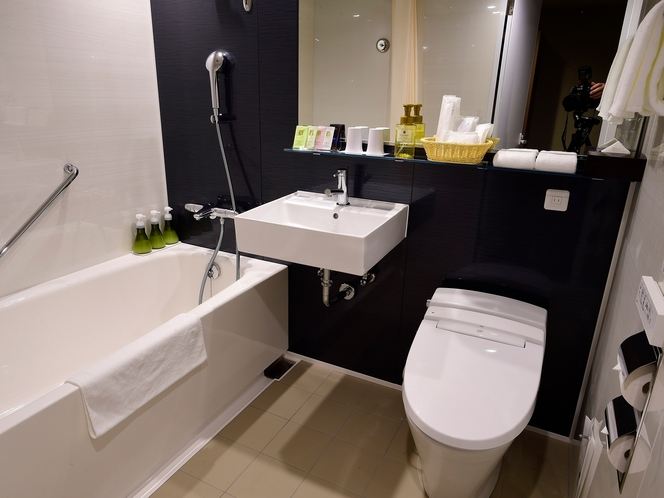 【ハリウッドツイン・バスルーム】清潔感あふれる浴室となっております。