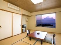 客室(和室10畳)