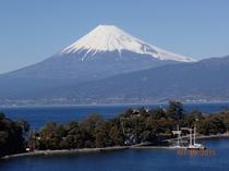 客室から見える大瀬岬と富士山