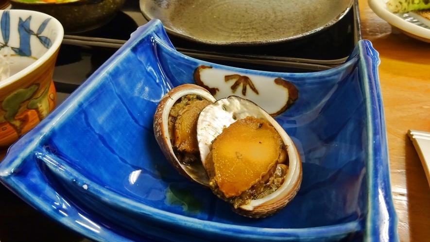 *【夕食一例】とこぶしの煮付け。一度食べたらやみつきに♪