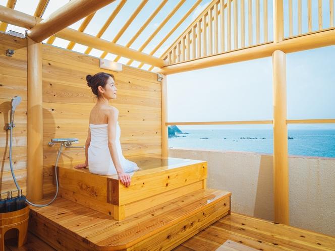 屋上露天風呂からは瀬戸内海を一望 要予約 別途利用料