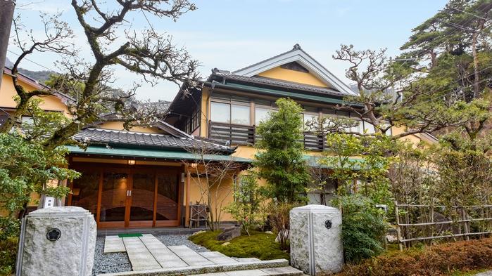 【*外観】懐かしい雰囲気を感じる純和風旅館です。