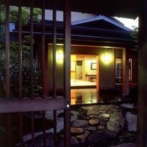 ◆夜玄関格子戸