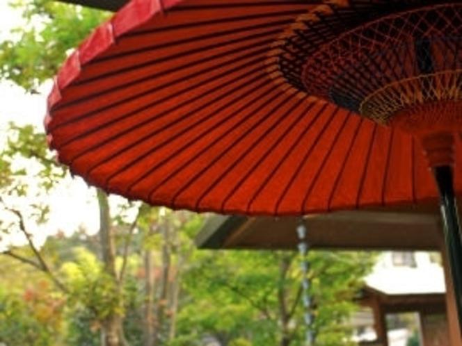 庭の野点傘