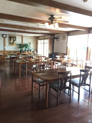 明るい食堂
