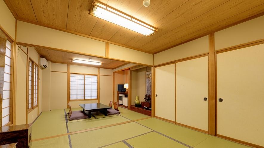 *【本館/2間和室】8畳2間の広々としたお部屋でおくつろぎください。