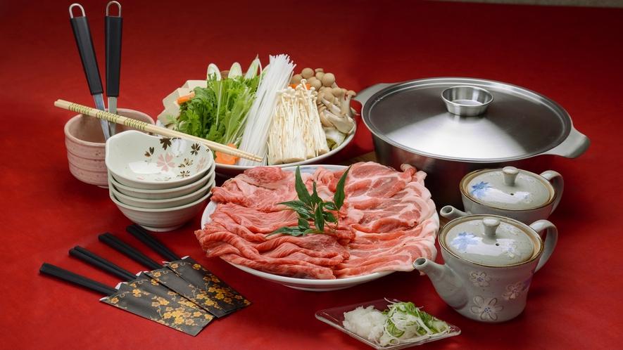 *【夕食一例】信州牛+信州豚+地場の野菜のしゃぶしゃぶセットです。