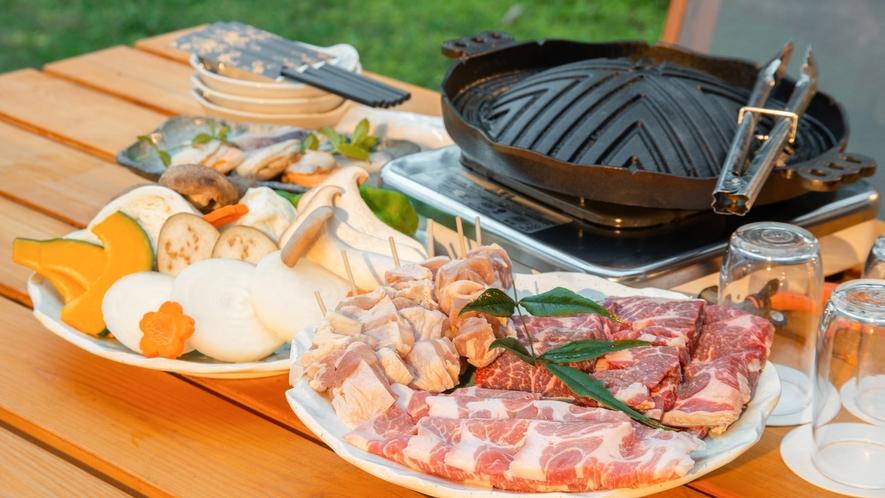 *【夕食BBQ一例】設備や食材を準備しているので手ぶらお楽しみいただけます。