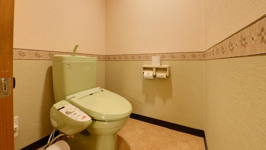 *【本館/2間和室】独立タイプのトイレがついたお部屋です。
