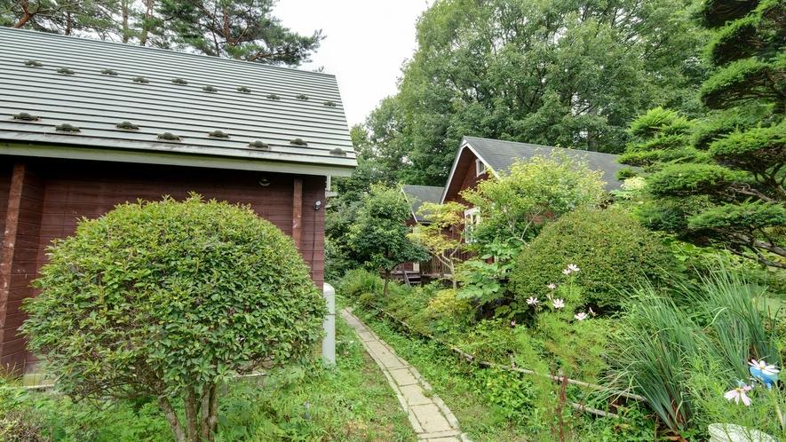 *【庭園】本館~離れのお風呂・ログハウスN・S・Eの移動はこちら。