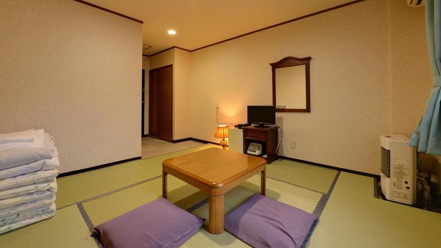 *【本館/和室8畳】シンプルな和室、足を延ばしてお寛ぎ頂けます。