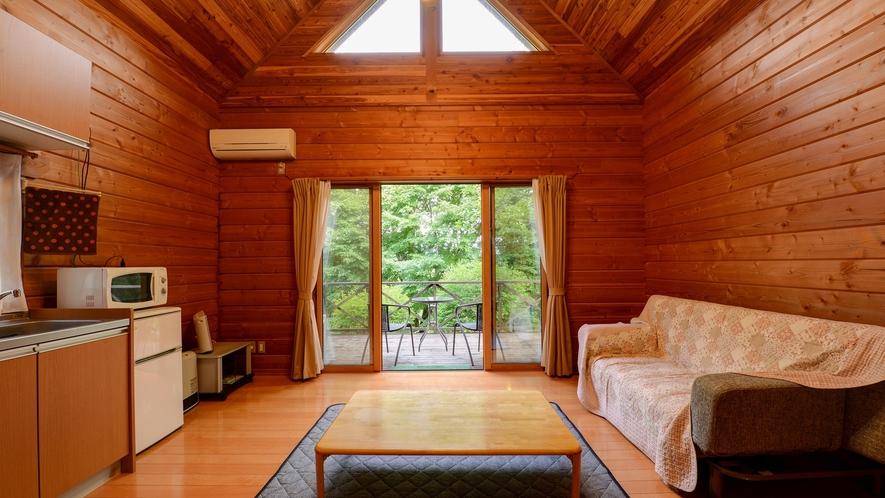 *【ログハウス/さくら亭中央】大きな窓から外の景色を眺めることができます。