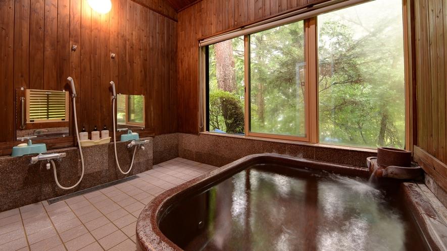 *【浴場(男湯)】男女ともに有料で貸切利用も可能です。ぜひご相談ください。