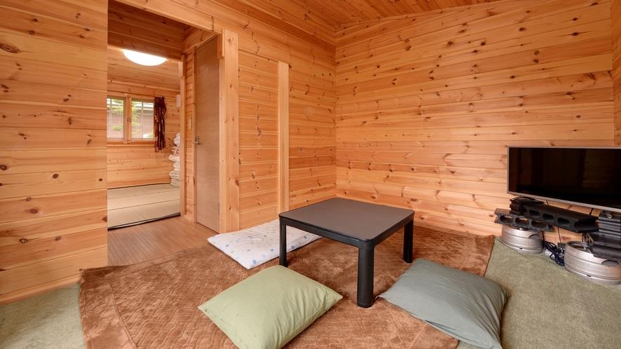 *【ログハウス/K】室内はシンプルな2室構造です。