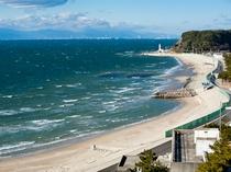 【小野浦海岸】日吉苑の眼下に広がる白砂ビーチ。夕陽も◎