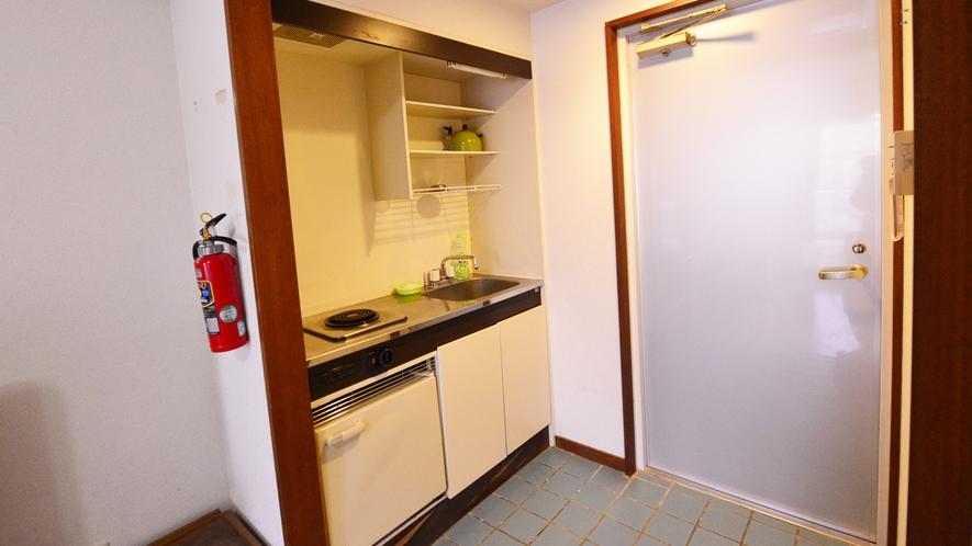 *和洋室(客室一例)/便利なミニキッチンも完備いたしております。