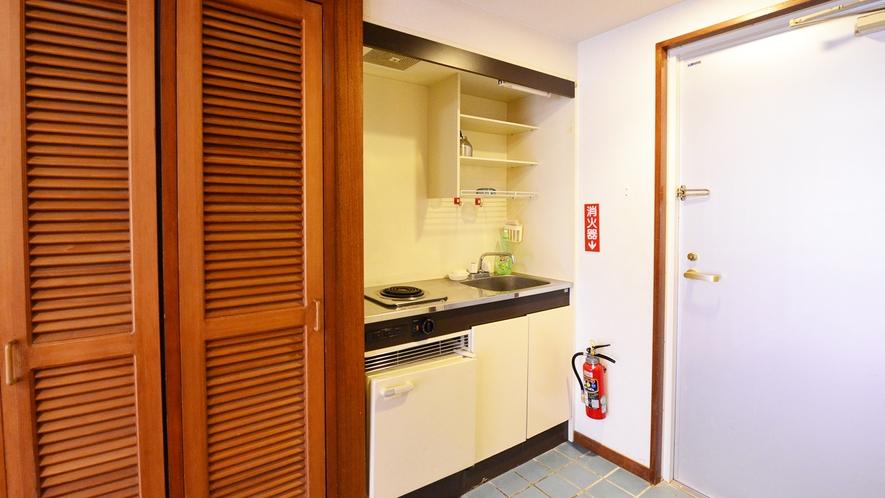 *メゾネットA(客室一例)/便利なミニキッチンも完備いたしております。
