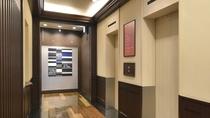 1階エントランス-エレベーター