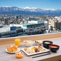 ご朝食バイキング【レストランからの眺望】