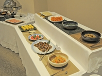 【ご朝食】バイキングの一例※ご予約状況によりどちらかのご案内になります(ご選択不可)