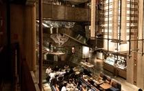 レストラン「The Astor」