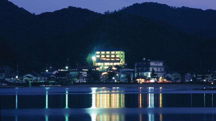 「甲羅戯」は柴山湾を見下ろす山の中腹にあります