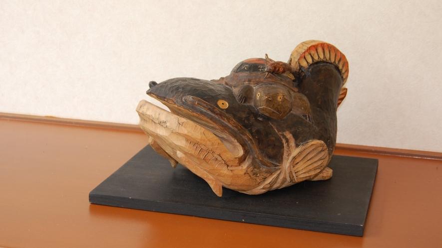 但馬の木彫り作品の一例