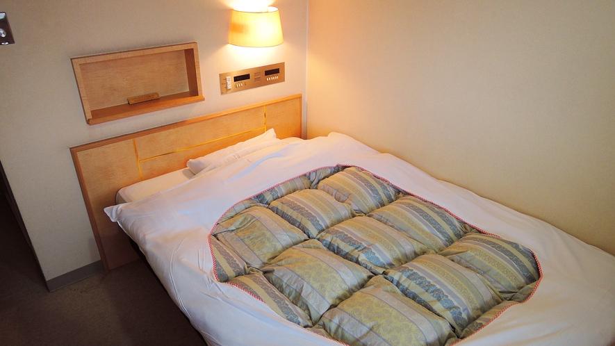 *シングルベットより大きいセミダブルサイズのベッドを使用!