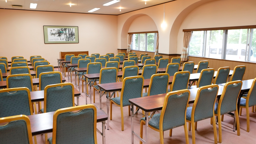 第2会議室。小規模なイベント・趣味のお集まりなどにご利用いただけます(有料)
