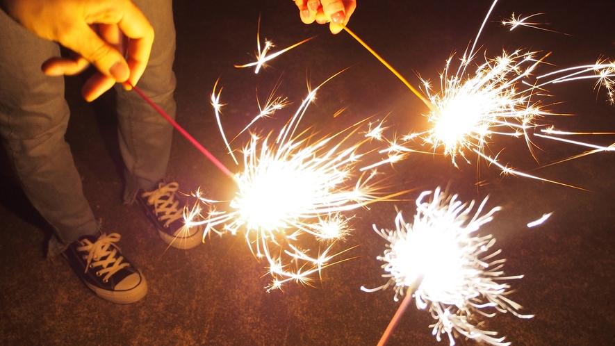 【キャンプ体験プラン】お子様には手持ち花火をプレゼント!夜は敷地内で花火が楽しめてお子様も大満足!