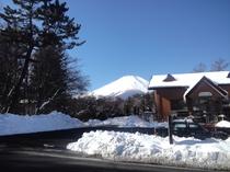 旭日丘(あさひがおか)バスターミナルから見る富士山