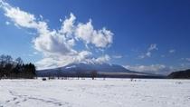 山中湖交流プラザ「きらら」から見た富士山