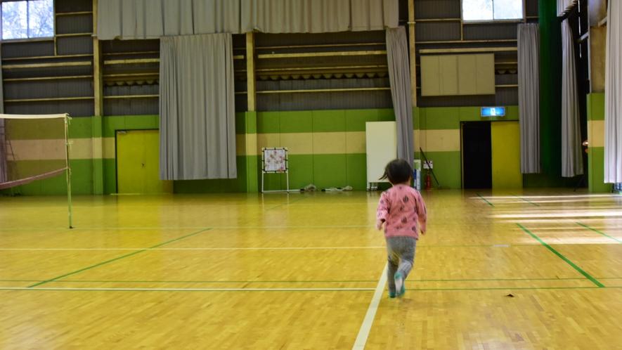 【7/18~8/28体育館を有料で開放します】1組1時間1000円。チェックイン時に申し込み。