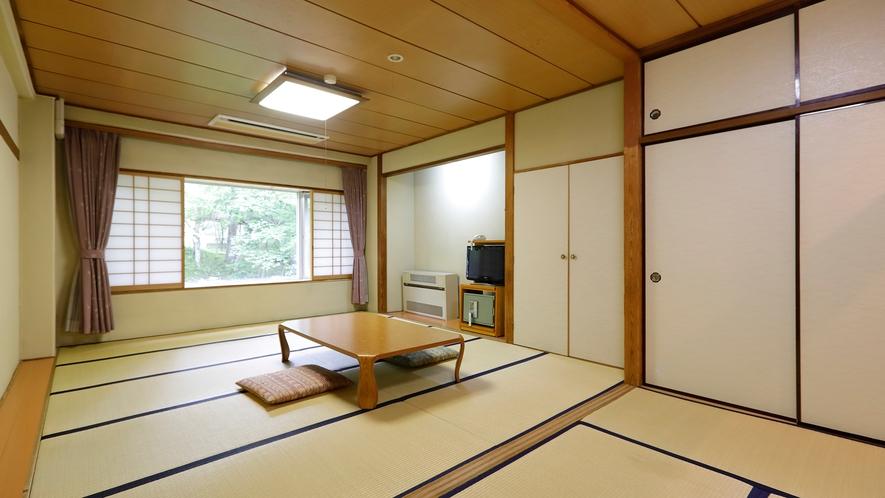 本館和室14畳(バス・トイレはありません)